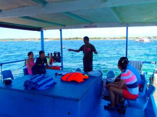 Briefing before diving